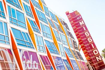 The Vida SF condominium building and New Mission Theatre, at Mission and 22nd streets. (Thomas Hawk/Flickr)
